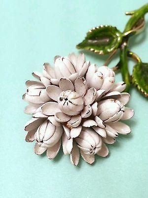 Vintage white chrysanthemum brooch pin Gold Tone Enamel Metal Flower 60s corsage