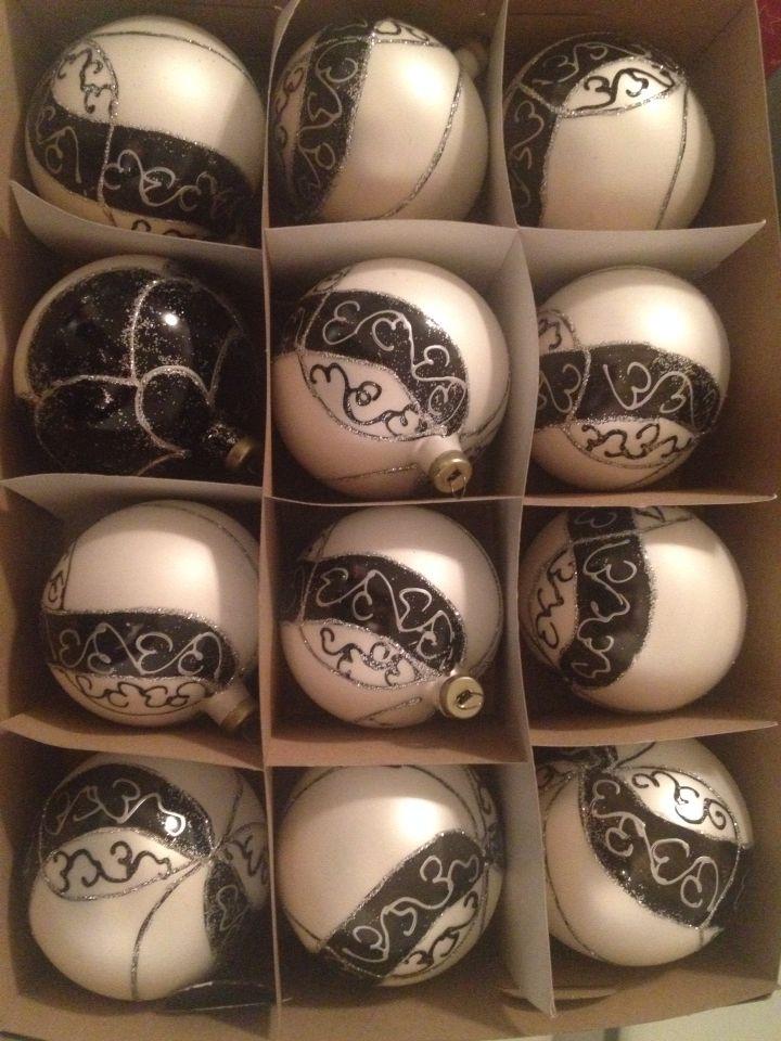 Esferas Tlapujahua  blanco/negro