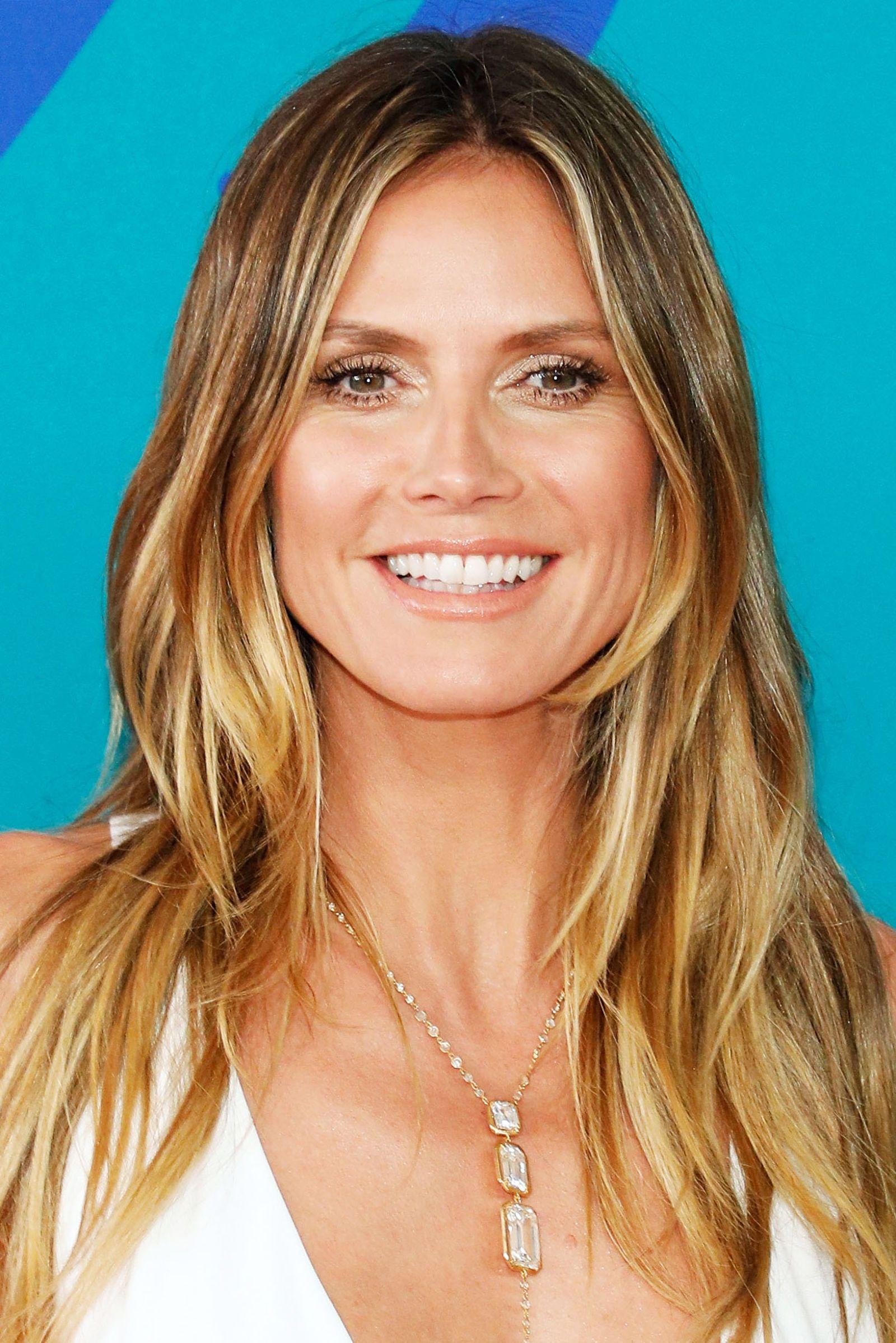 11 Heidi Klum Hairstyles: Classic Hairstyle