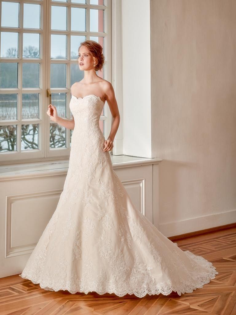 6221 menyasszonyi ruha - igenszalon.hu Diana 1051308adf