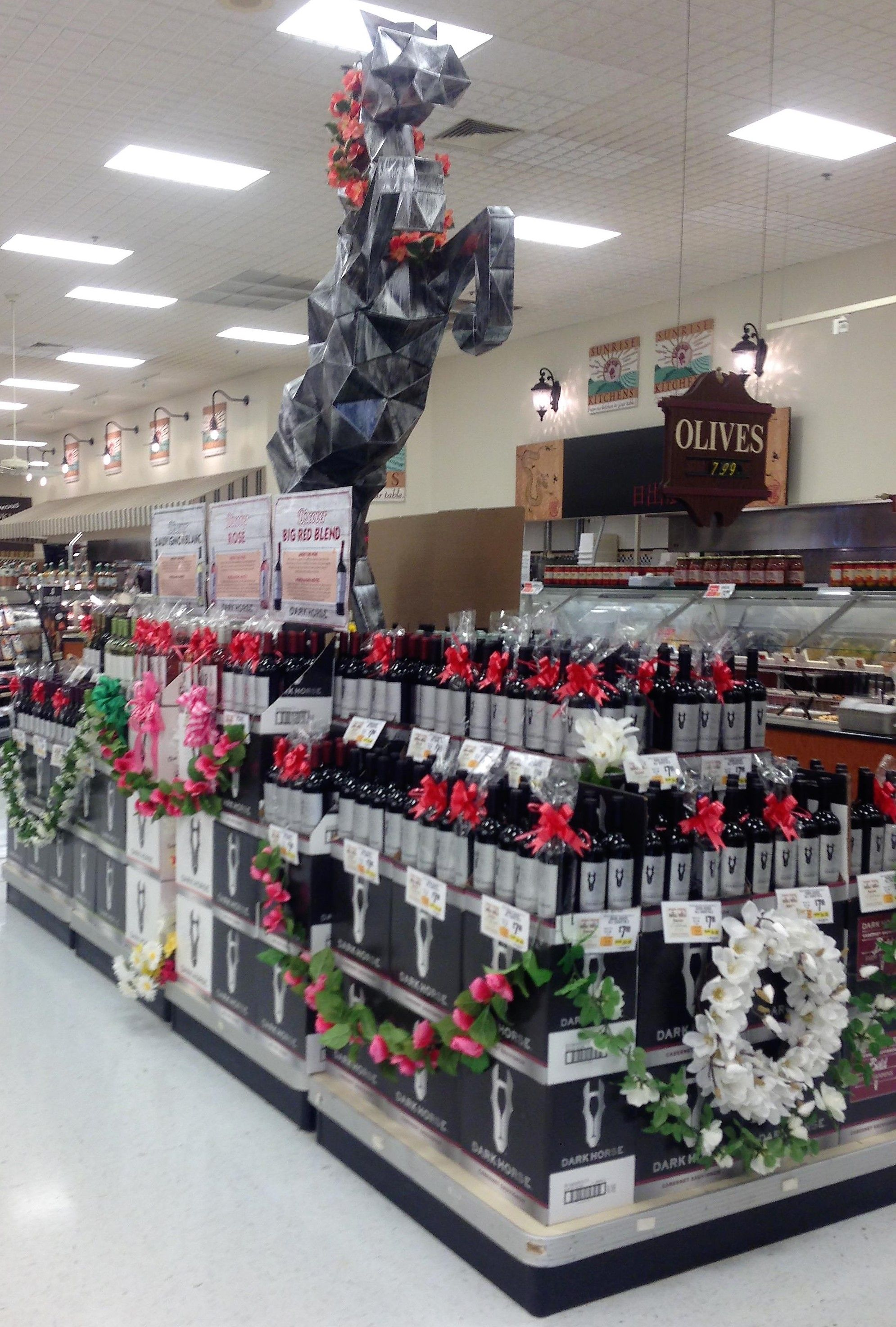 Dark Horse Wine Display At Shoprite Parsippany Nj S Sunrise