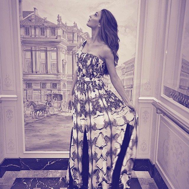 #AnnaTatangelo Anna Tatangelo: Meravigliarsi ...in un quadro ..