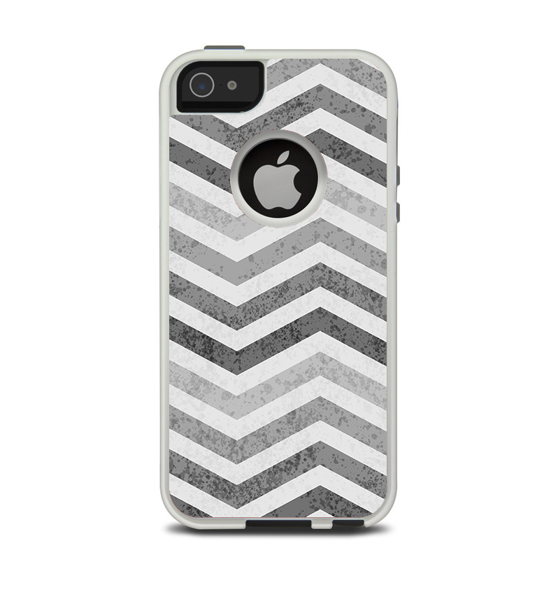The Gray Toned Wide Vintage Chevron Pattern Apple iPhone 5-5s Otterbox Commuter Case Skin Set