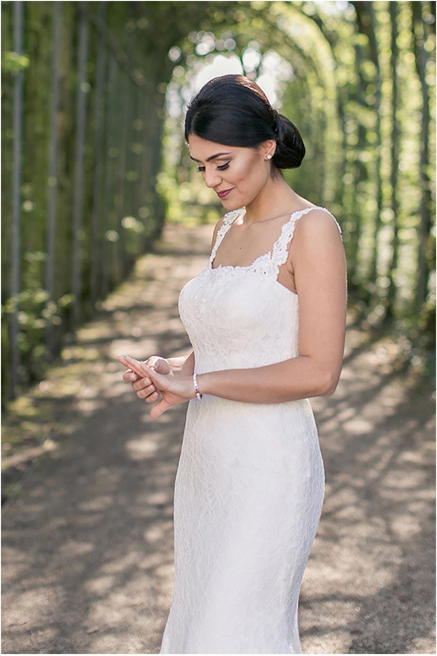 10. Hochzeitstag, Hochzeitsfeier, blauer Anzug, Ehefrau, Braut ...