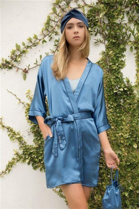 Love Song Embroidered Silk-Satin Kimono - cloroom