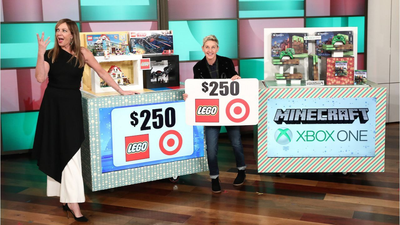 It S Day 12 Of Ellen S 12 Days Of Giveaways Allison Janney Gets Dramatic With Ellen The Ellen Show Dramatic Allison Janney