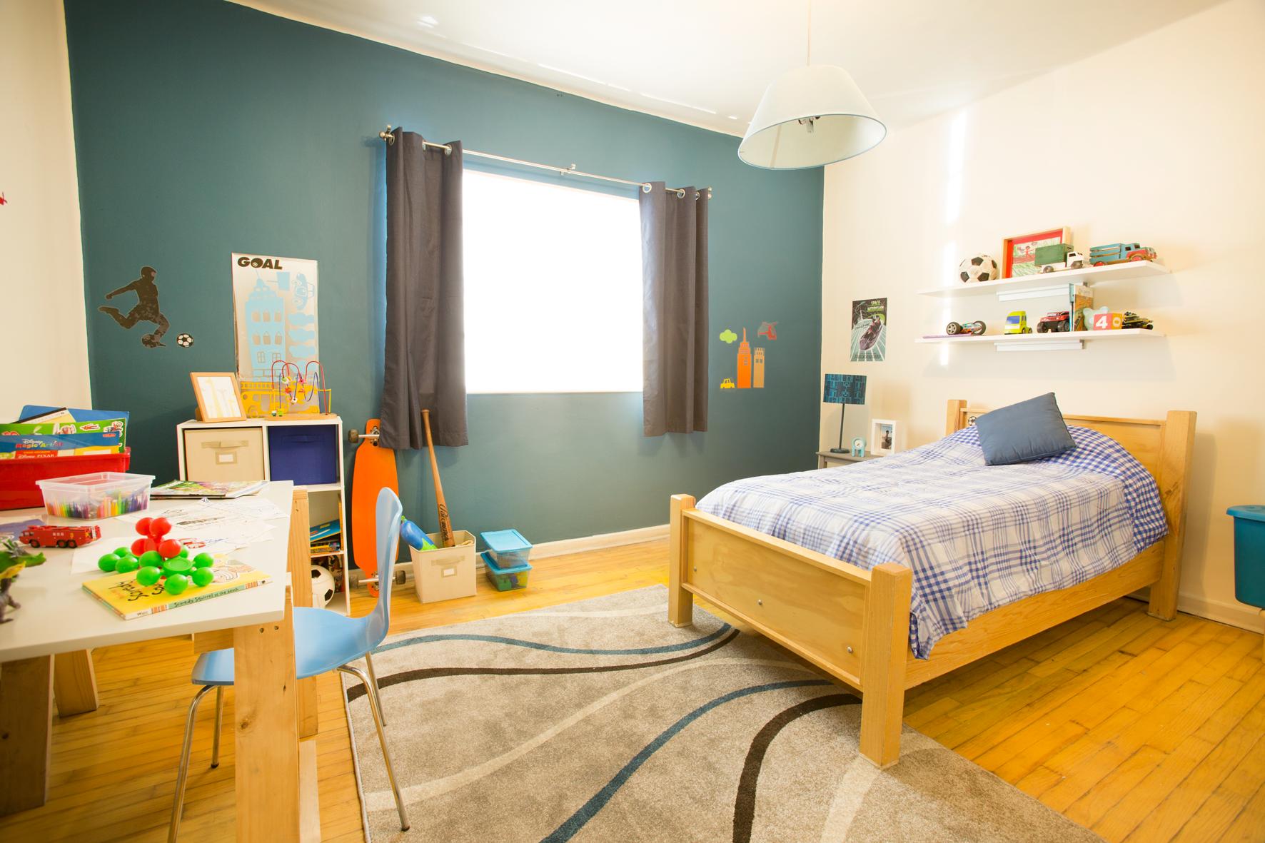 Utiliza accesorios para completar la decoraci n del cuarto - Habitacion juvenil nino ...