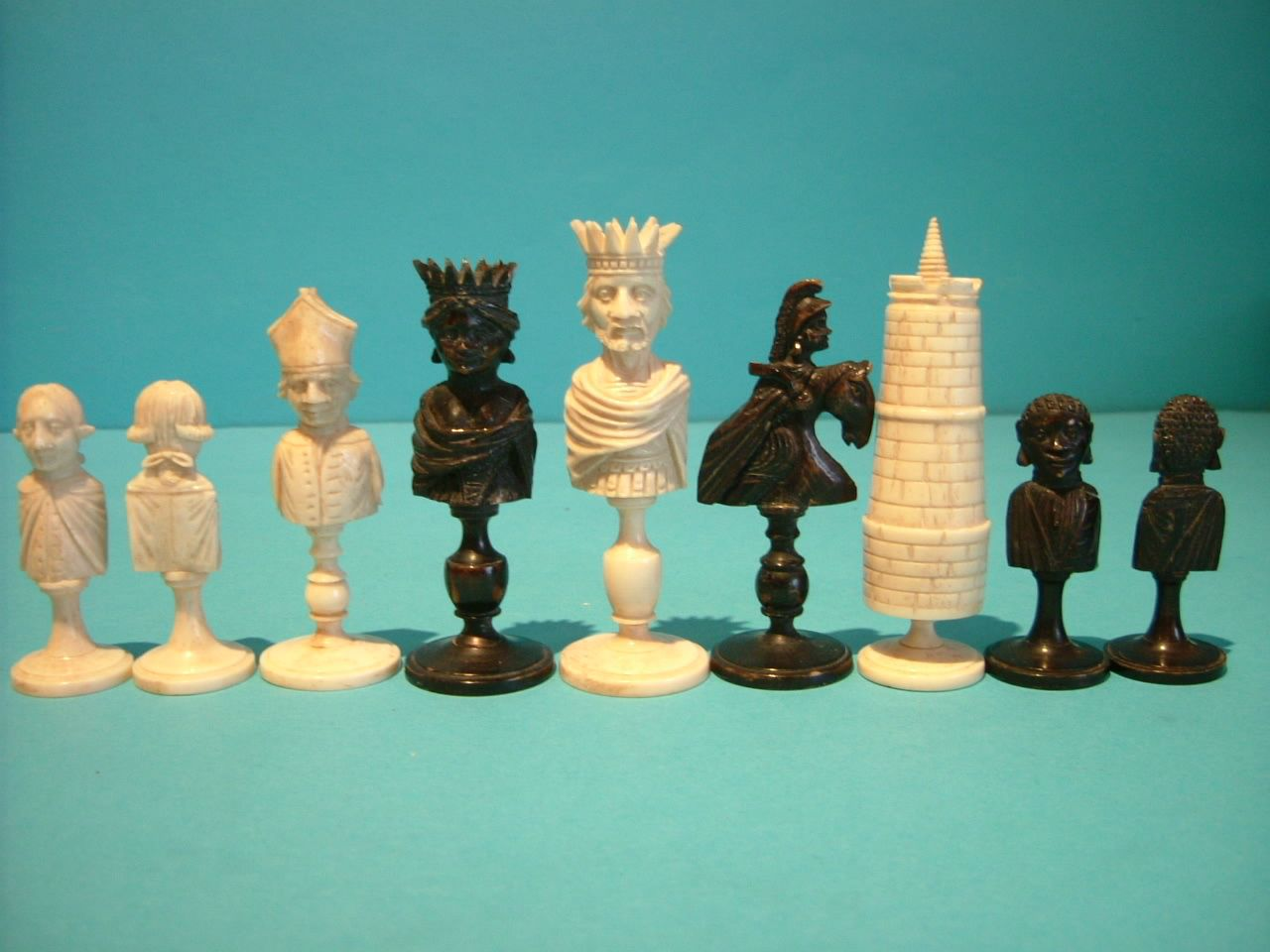 http://www.antiquechessshop.com/Images/075_03.jpg