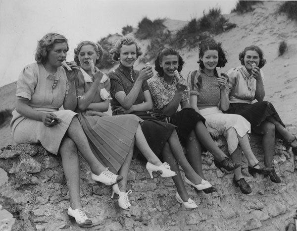 Mode In Den 30er Jahren 30er Jahre Kleider 1930er Mode Und 30er