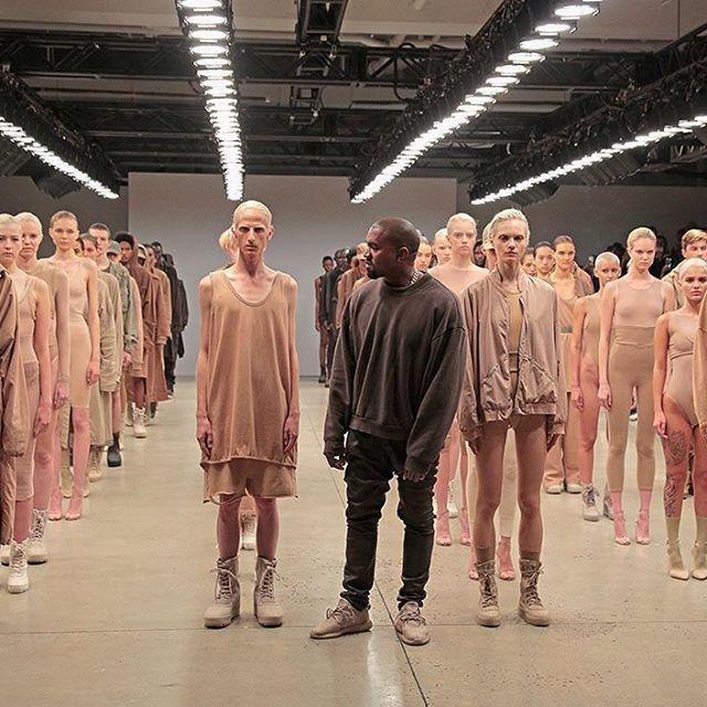 Yeezy Season 2 Geliyor Kanye West In Tum Dunyada Buyuk Ses Getiren Yeezy Koleksiyonu 2 Sezonuyla Gorucuye Cikiyor Turkiye De Yine Goruntuler Ile Kanye West Stil Instagram