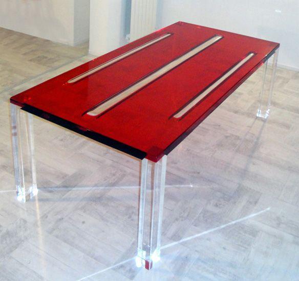 table haute plexiglas rubino par poliedrica http://www.mobiliers