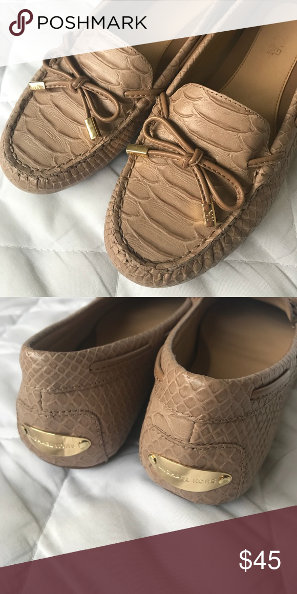 016afa586ef5 Michael Kors Daisy Moccasins Alligator embossed Leather Blush- nude color  Amazing Condition Size 7 Michael Kors Shoes Moccasins