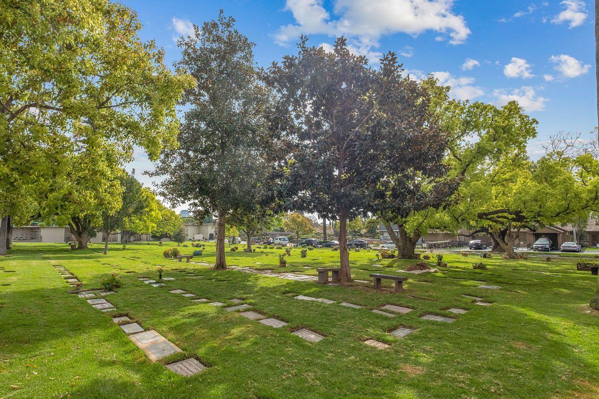c20acd0453d14e367f4263d6e60715b4 - Sharon Gardens Cemetery Plots For Sale