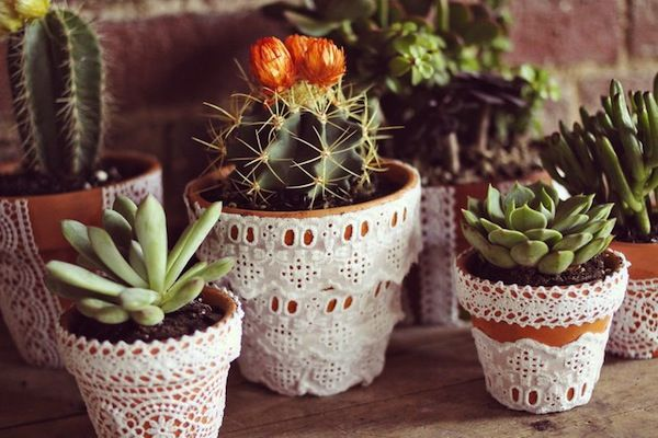 Pretty Lace Flower Pots Diy Lace Flowers Diy Wedding 400 x 300