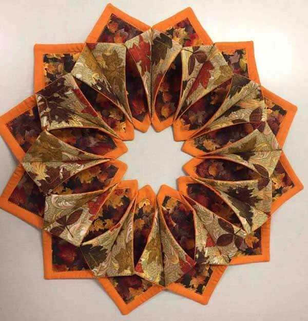 Photo of Simple no-sew fabric wreath for Halloween or autumn tutorial Needlepointers.com