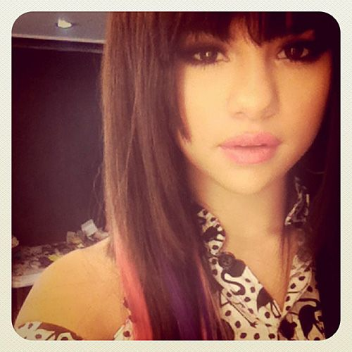 "gotta admit i <3 Selena Gomez's hair all  the time...she is my ""tenny bopper"" crush haha!"