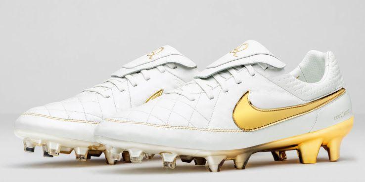 05840739d73f0 Nike Tiempo Legend Ronaldinho