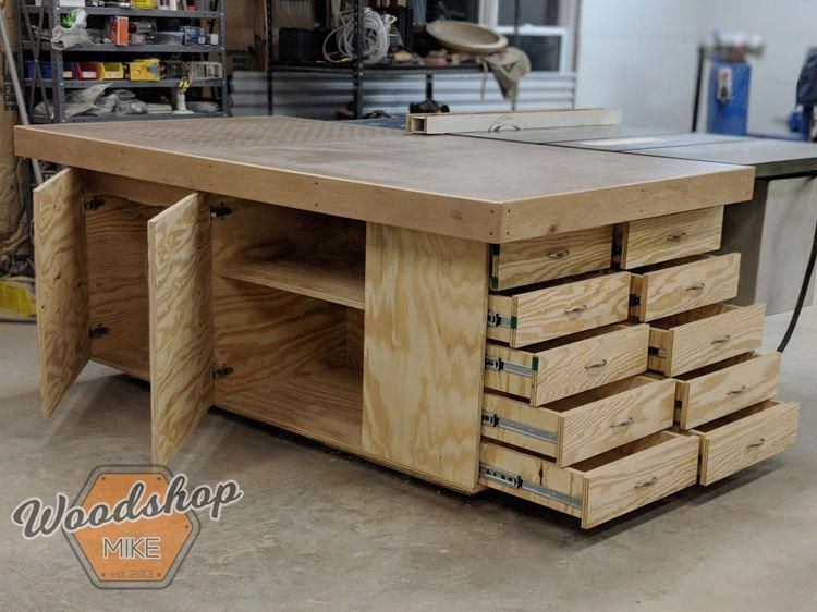 Outfeed Workbench Finished-DIY Outfeed Workbench Landscape #woodworkingshopplans #PlansWoodworkingBenches