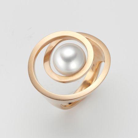 Great Ring Pirouette von Angela H bel aus er Ros gold mit S dsee Perle