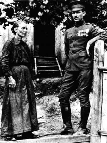 alvin york Alvin york has 39 ratings and 12 reviews sweetwilliam said: what alvin york did was truly incredible he was able to get behind german lines with 16 oth.