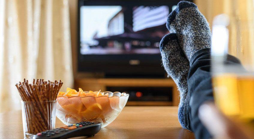 邊吃零食邊聊天  台每4名青少年有一人過胖 - https://kairos.news/62149