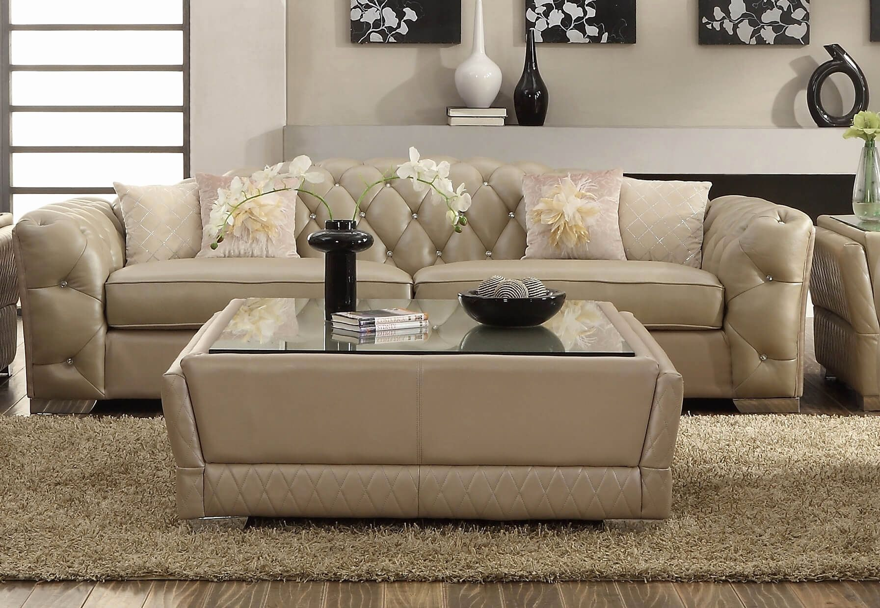 Cream Leather Sofa Photograpy