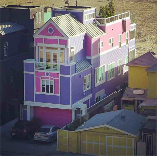 Barbie creator ruth handler 39 s house awesome for Dream house creator