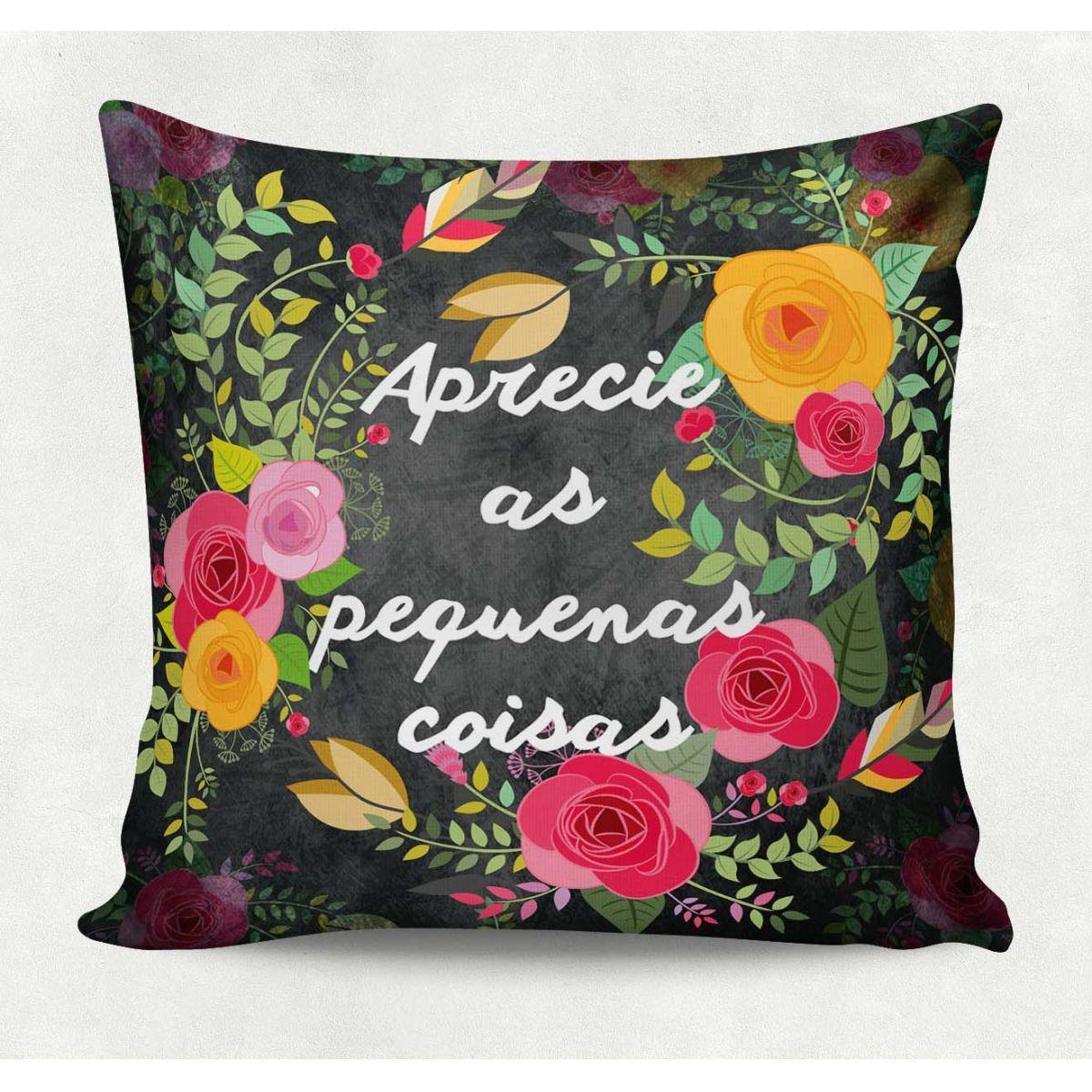 Almofada decorativa em tecido estampado - PEQUENAS COISAS – 45cm X 45cm