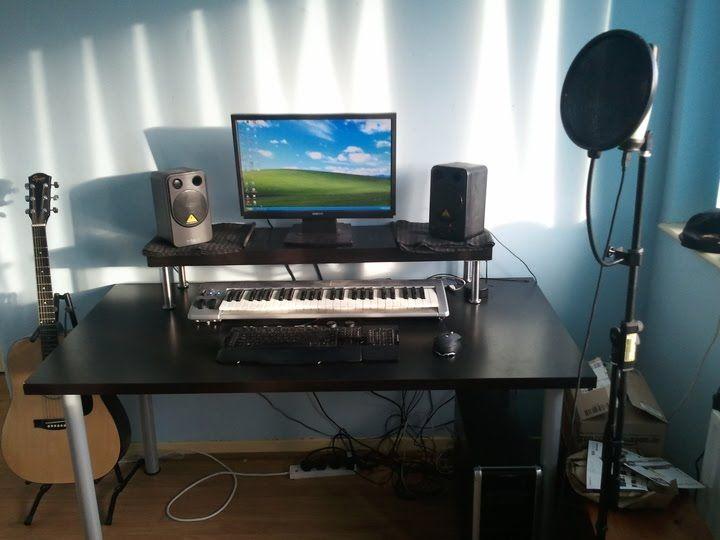 Simple Bedroom Recording Studio materials: vika amon, vika curry, capita, lack description: i had