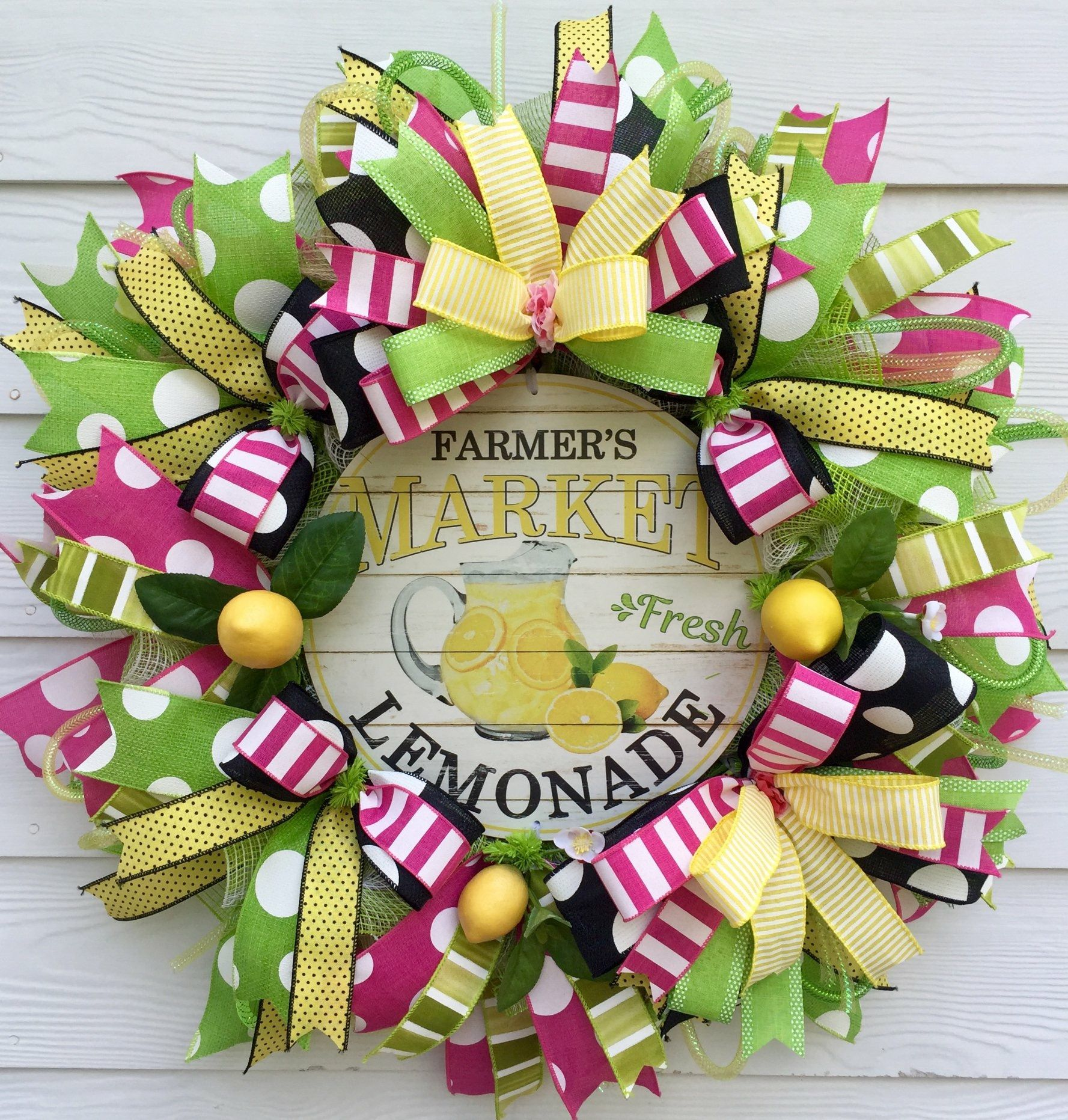 Pin by Shannon Newlin on Christmas mesh wreaths Pinterest