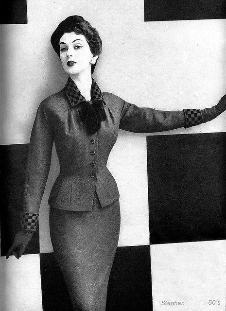 Dovima in 1954 by 50'sfan, via Flickr