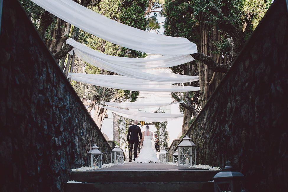 This drapery for the wedding ceremony is killer. Tented Italian Wedding Amalfi Coast Villa Eva via @StorybrdWedding