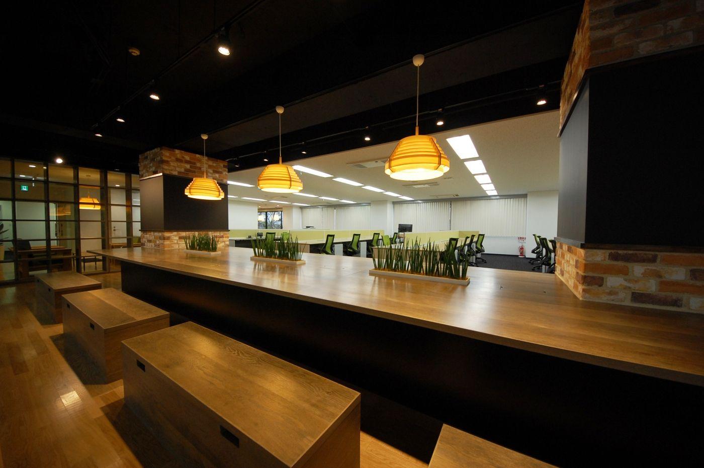 ガラスやスケルトン天井のオフィス オフィスデザイン事例 デザイナーズオフィスのヴィス オフィスデザイン デザイン 天井
