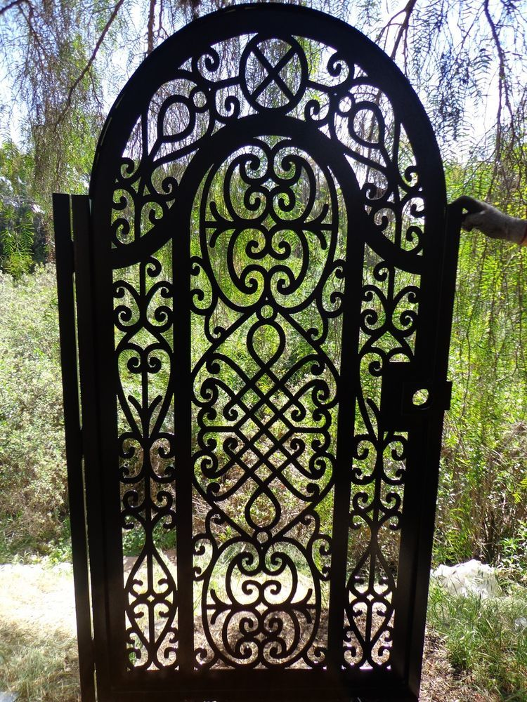 Metal Gate Custom Factory Direct On Sale Wrought Iron Garden Art Ornamental