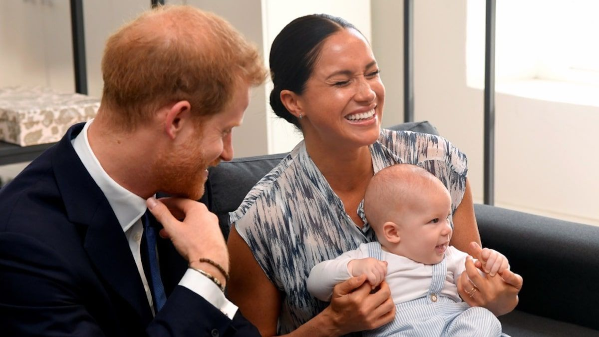 Meghan Markle And Prince Harry With Baby Archie Prince Harry Prince Harry And Meghan Archie