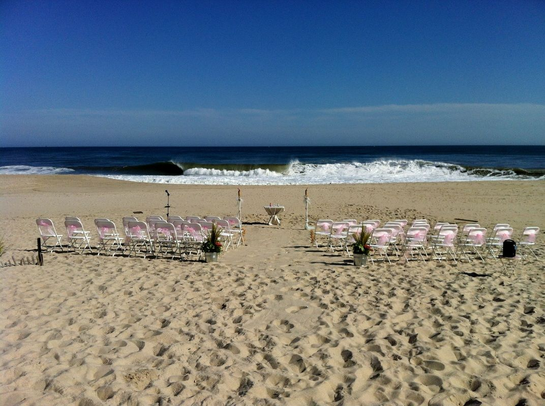 New Jersey Wedding Officiant Andrea Purtell Seaside Ceremony At Rental House In Point Pleasant Beach