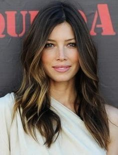 Jessica Biel hair color Brown hair with thick blond/caramel colored peekaboo highlights