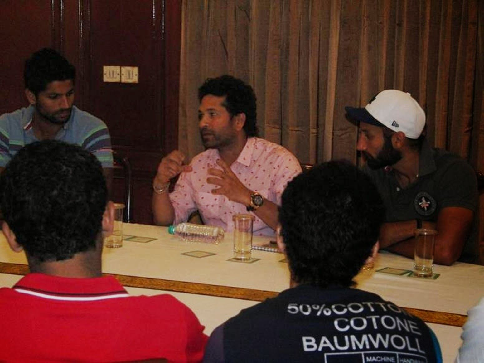 Sachin Tendulkar today met and shared his experiences of his cricketing days with the Indian Men Hockey Team and motivated the team to face the challenges of the upcoming tournament.