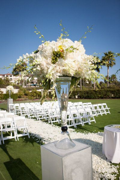 Photography by Goddard Studios Photography / goddardstudios.com, Wedding Planner by Maria Lindsay Weddings / marlalindsayweddings.com/, Floral Design by Square Root Design / squarerootdesigns.com/