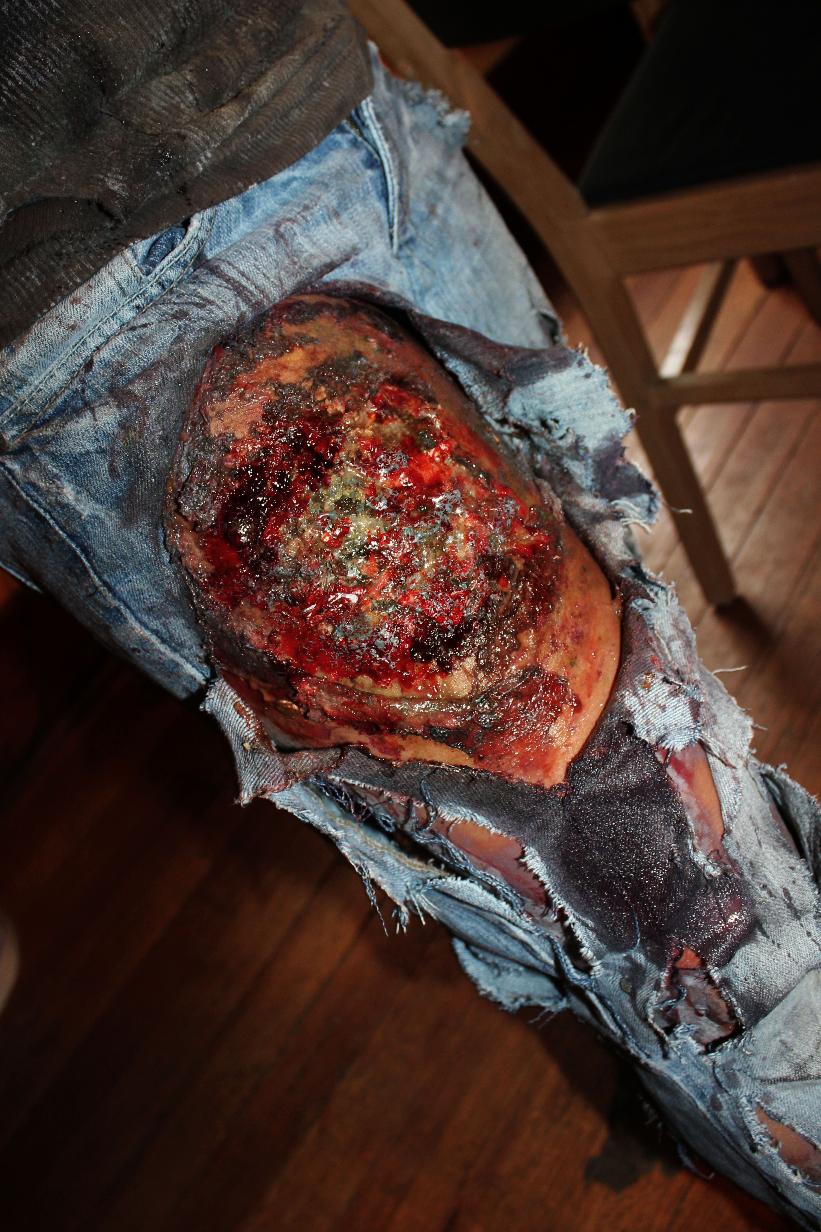 Rotten Disgusting Chopped Up Zombie Leg Wound For