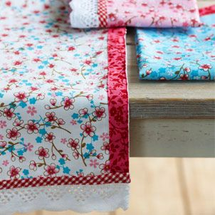 PiP Studio: Table Linen   Dress Your Dinner Table In Pretty Prints
