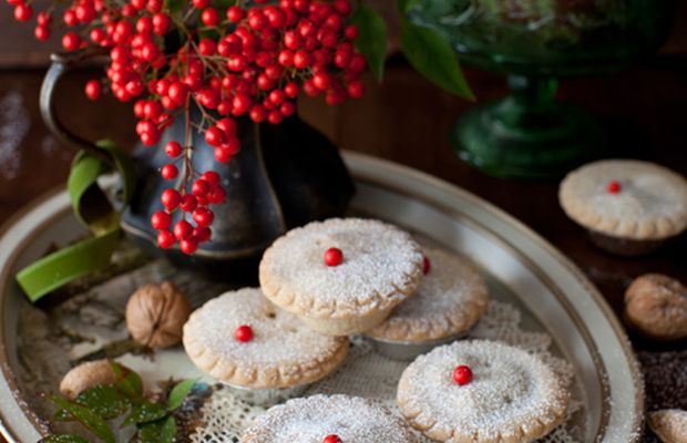 Whisky-laced mince tarts - holiday tradition - Mytaste.com