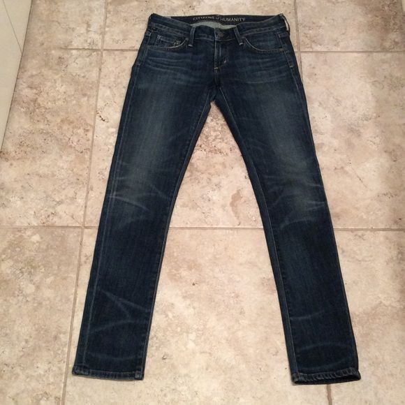 Citizens of Humanity size 25 skinny jean Citizens of Humanity size 25 jean with a 30 inch inseam. Perfect condition Citizens of Humanity Jeans Skinny