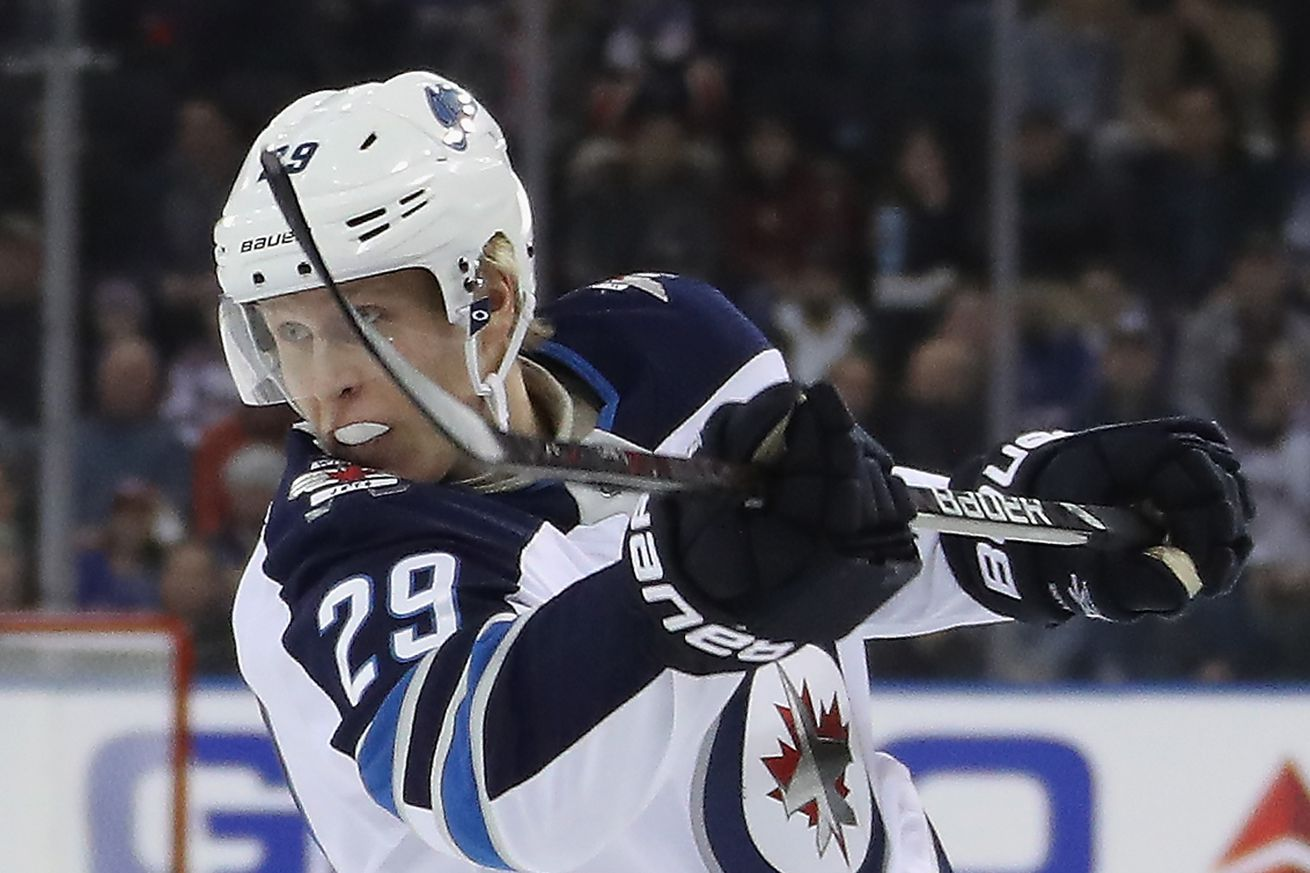 Jets road betting favorites at Kings on Tuesday NHL odds