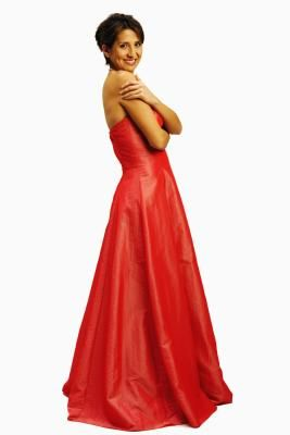 How to Do Makeup for a Bright Red Dress