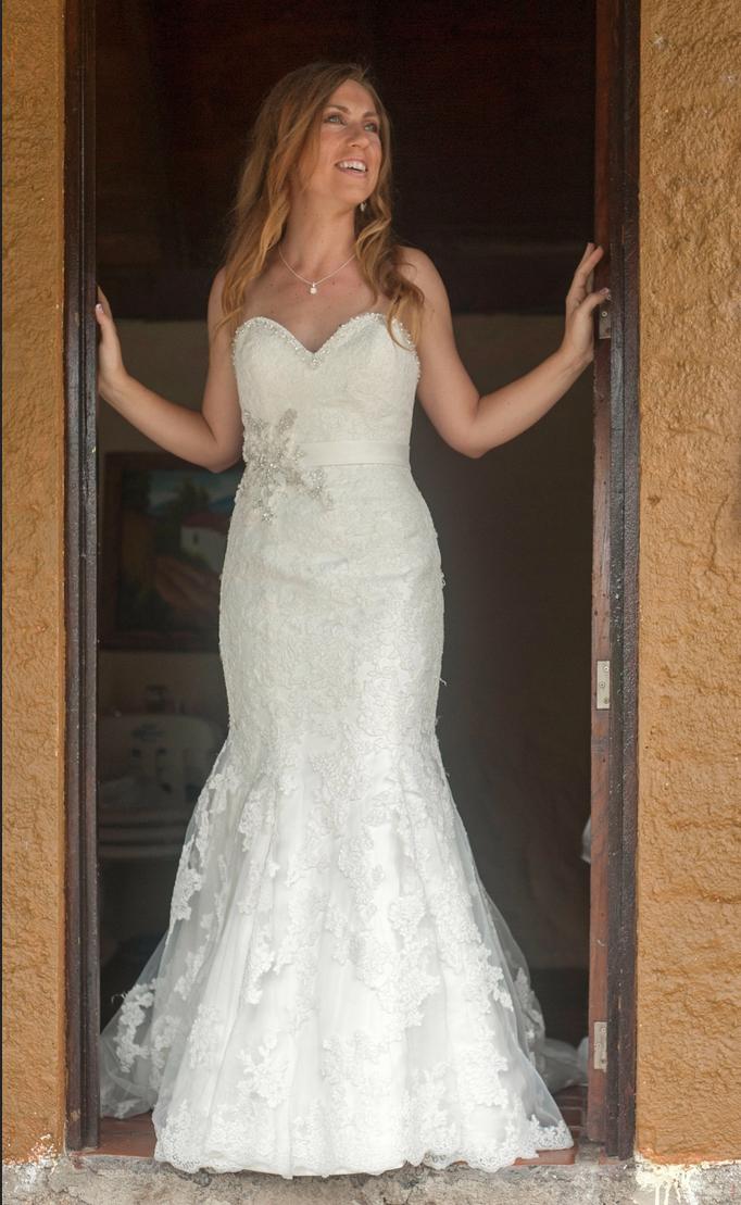 Allure 2501 wedding dress