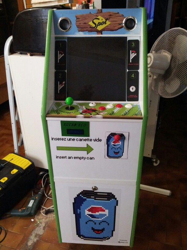 Ma borne d arcade a vocation ecologique: 1 canette = 1 crédit pour une partie de vieux jeux retro :) This is my arcade cabinet with ecology vocation. 1 empty can = 1 credit for retrogaming #raspberrypi @raspberrypi