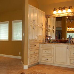 Sherwin Williams Sw 6126 Navajo White Cabinets Home Ideas Navajo