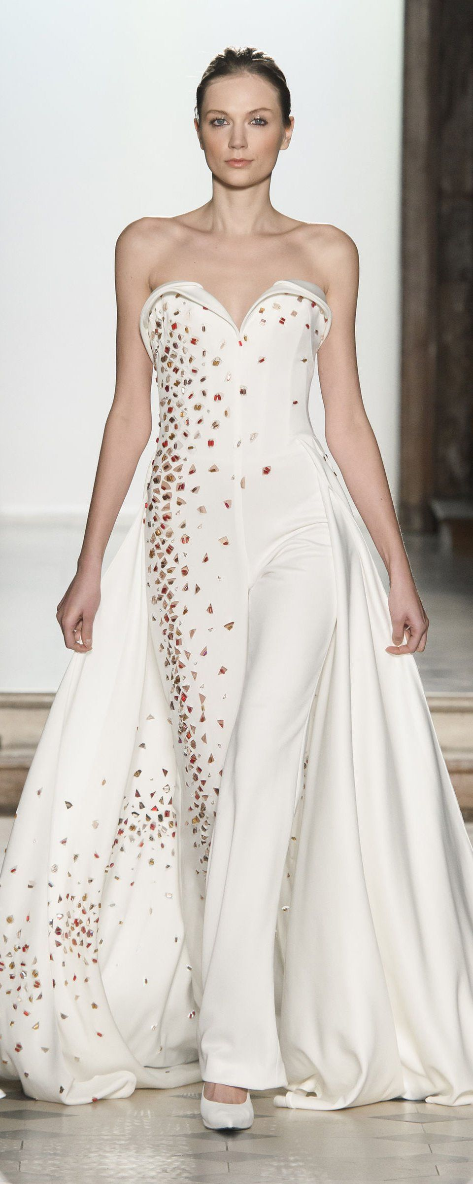 a42bb2f2505 Tony Ward Spring-summer 2018 - Couture - http   www.orientpalms