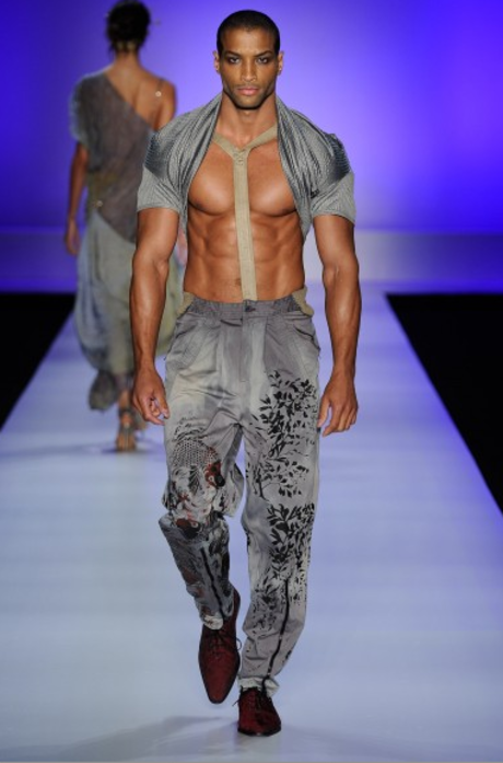 The Top 10 Most Outrageous Looks From Sao Paulo Fashion Week Sao Paulo Fashion Week Fashion Fashion Week